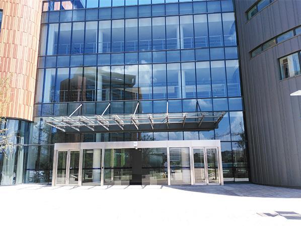 西郊利博物大学在必拓采购地垫和楼梯防滑条
