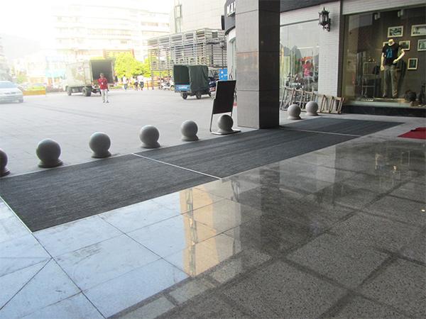 玉长城商业广场使用必拓铝合金地垫